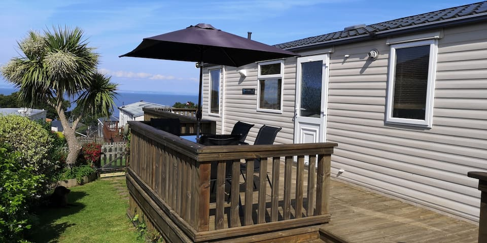 No.68, 6 berth holiday home with seaview & garden