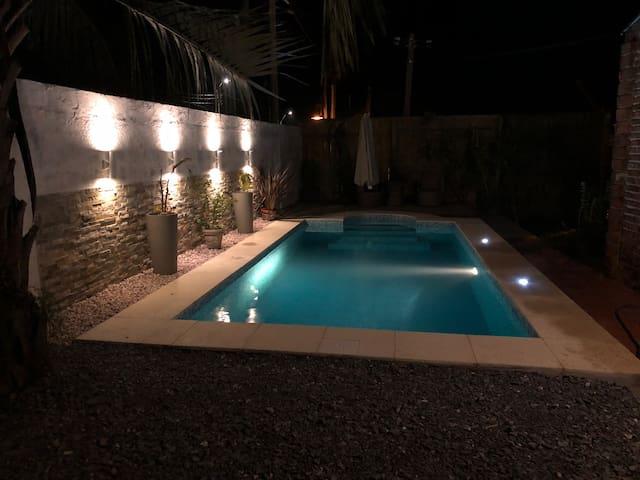 Rosy's house, una cuadra del mar con piscina.
