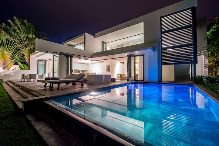 Deluxe Riverfront Pool Villa - Vung Tau - Villa