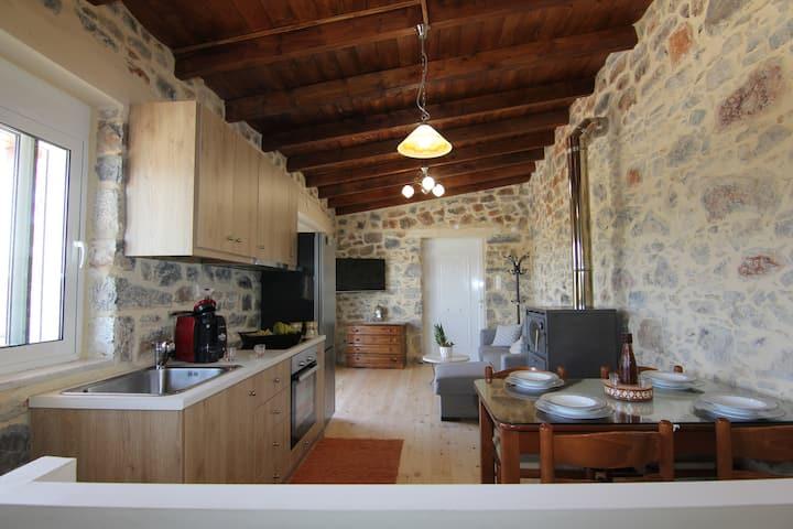 Malia Stone Residence - Secluded Cozy Retreat