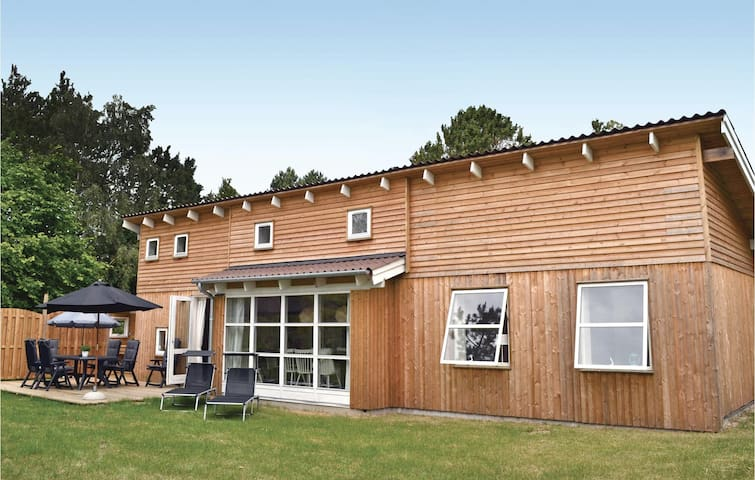 Holiday cottage with 3 bedrooms on 82m² in Eskebjerg