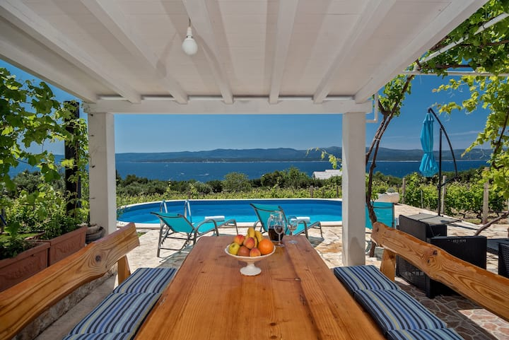 Villa Duje with pool seaview in Bol