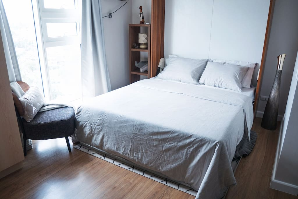 Queen size fold-down murphy bed for a good night's sleep