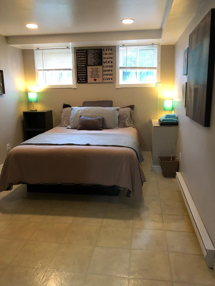 Short-Term Rental Private Bedroom & Bathroom