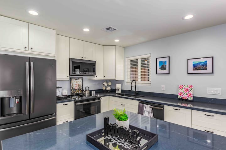 Cozy & Comfy Fully Remodeled Downtown PHX Home