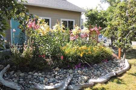 Anacortes Orchard Studio - Anacortes - Guesthouse