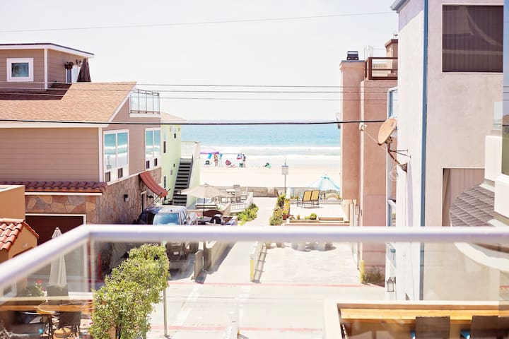 Mission Beach Rooftop Condo: Two Rooftop Decks!