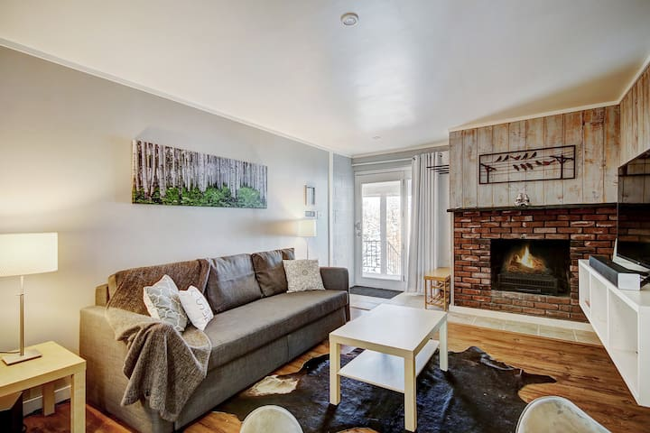 Main St Condo! Gondola, Shuttle, & Town Just at your Doorstep!!