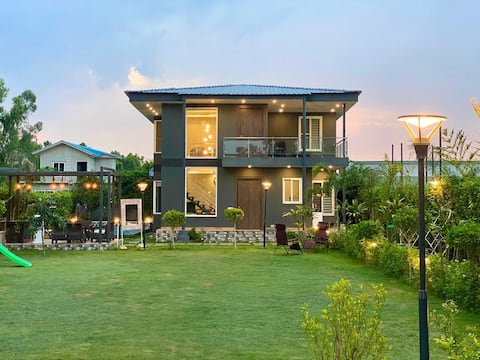 2-BHK Entire Villa (Max 7-8 Guests occupancy)