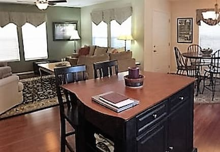 Large 2 Bdrm/3 Bath Lone Tree/Highlands Ranch Area - Parker