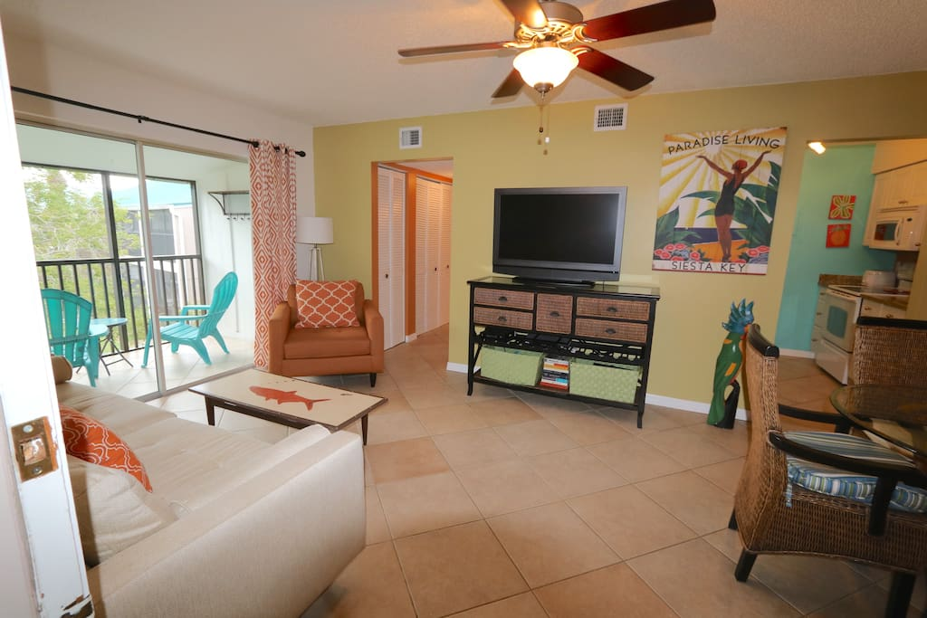 Siesta Key Condo With 2 Queen Beds Walk To Beach Condominiums For Rent In Sarasota Florida