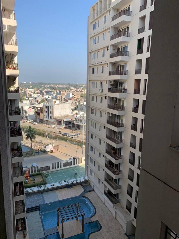 Spacious/Bright/Airy 2.5BHK/ 2 balconies/ 8 Floor