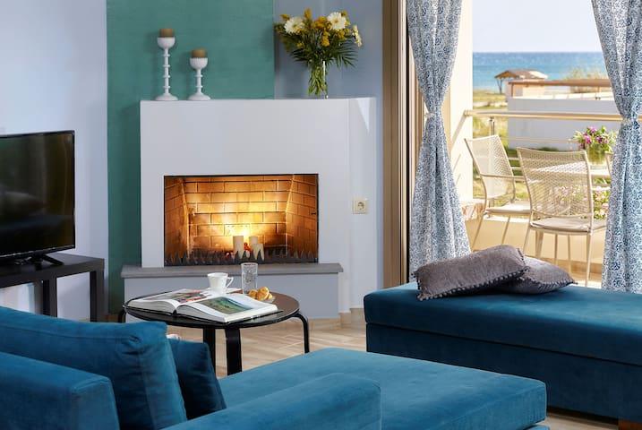 Villa Eva2 Brand New Luxury Villa 50m from the sea