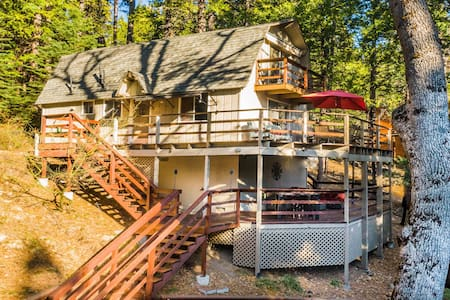 Pinecrest Hideaway! Cozy cabin near Pinecrest Lake
