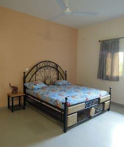 Chambre privée dans maison à Mbour