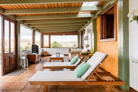 Gorgeous Villa Overlooking the Famara Cliffs