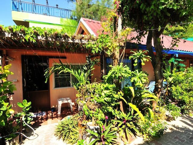 Dee Dee Beach House - Phi Phi Islands - Haus