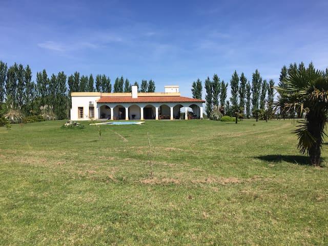 Casa en Country Sta.Maria de Lobos