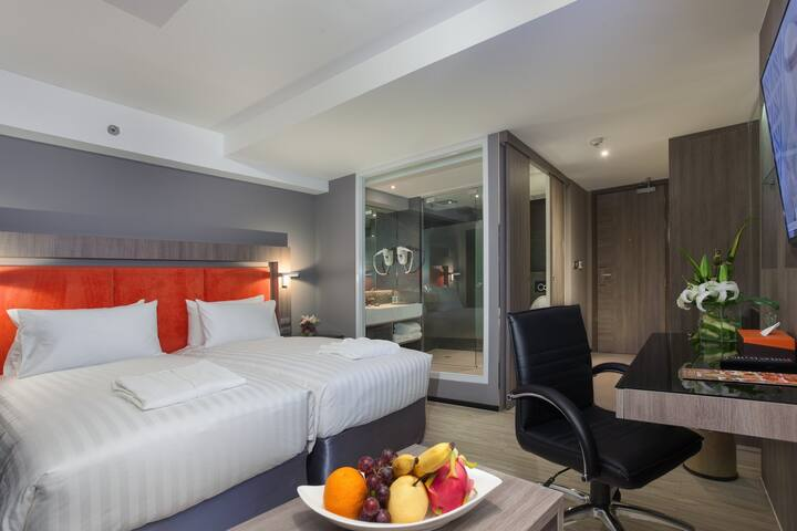 Grand 5 Hotel & Plaza Sukhumvit