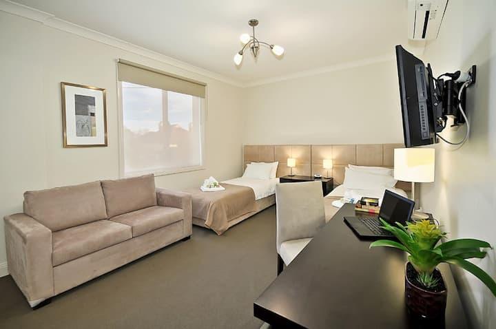 Executive Double / Twinshare Room in Brunswick