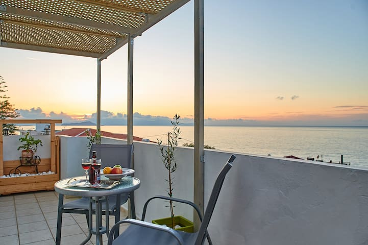 Anthi Apts Sea View Chania