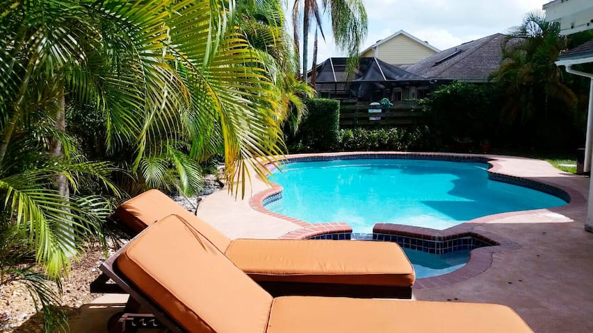 WOW Town house with pool, 2br/1bt - Miami - Apartment