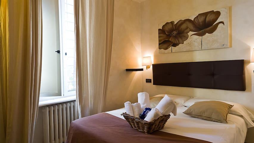 Economy room in the heart of Trastevere