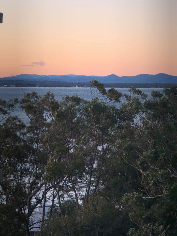Treetops – two-bedroom unit overlooking Shoal Bay