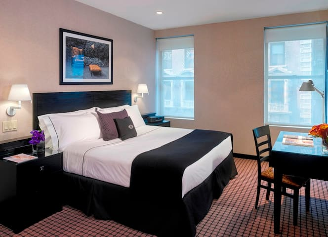 Superior King Room-Hotel 260 Ft from Times Square