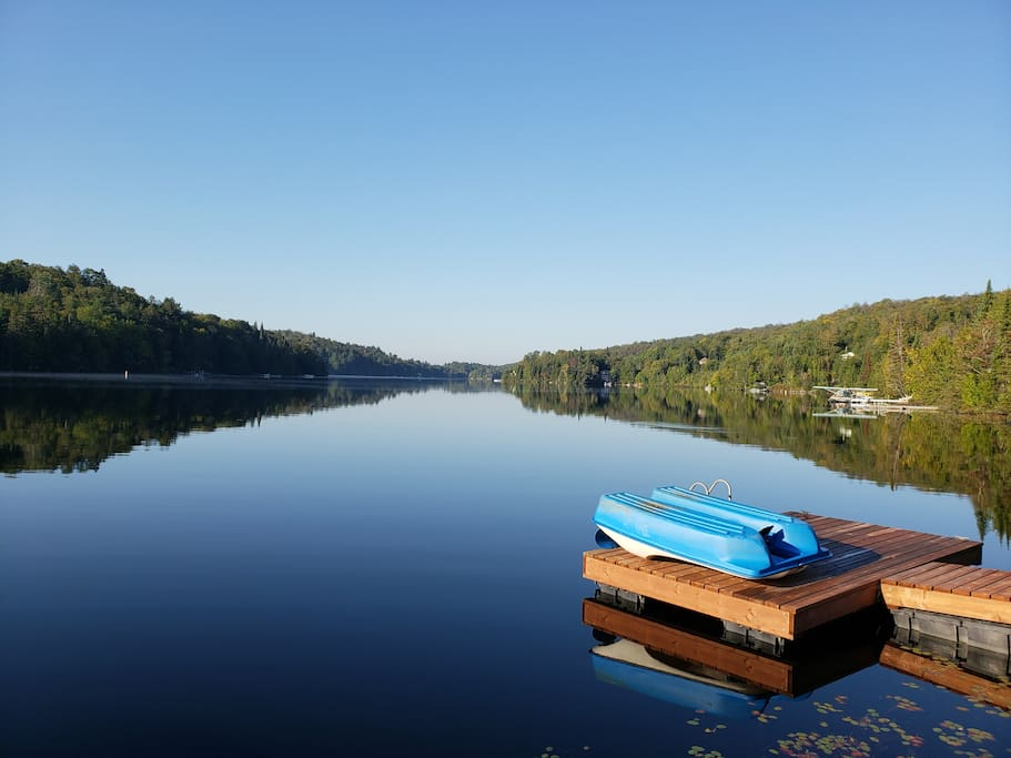 Enjoy your privat dock - canoeing, cayaking or relax in the pedalo !