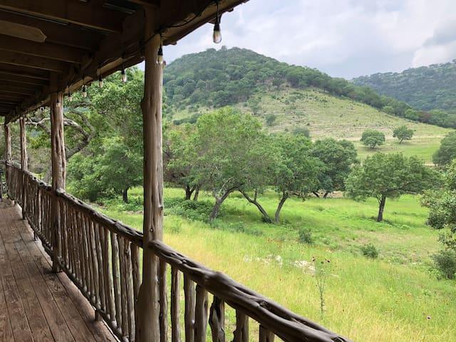 Antler House - 7 Canyons Ranch | Vacaction | Texas
