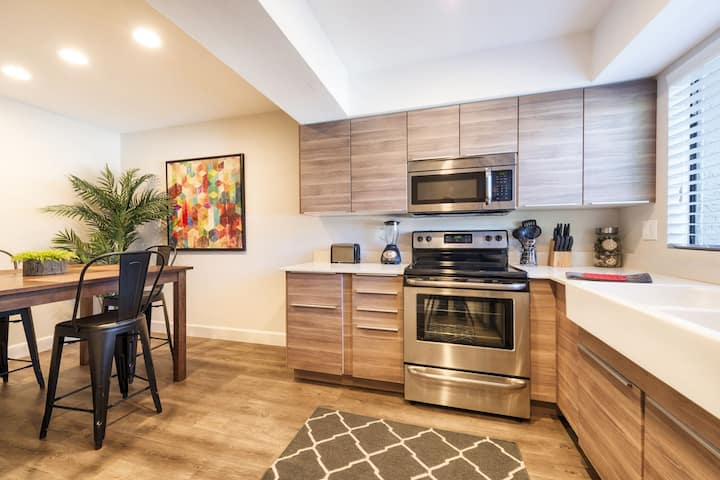 SPACIOUS place to stay in Tempe