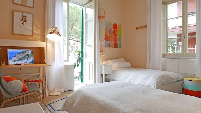 Materassi e cuscini a memoria di forma  Memory foam mattress and pillows