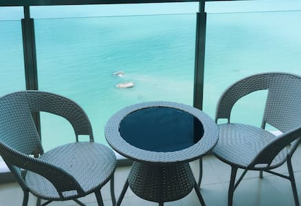 Beachfront Seaview Luxury Suites @ Batu Ferenghi - Tanjung Bungah