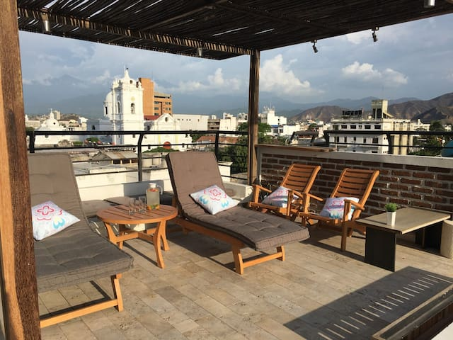 Penthouse in historical downtown, rooftop&sea view - Santa Marta - Apartment