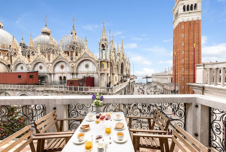 Due Leoni Venice Luxury Apartment