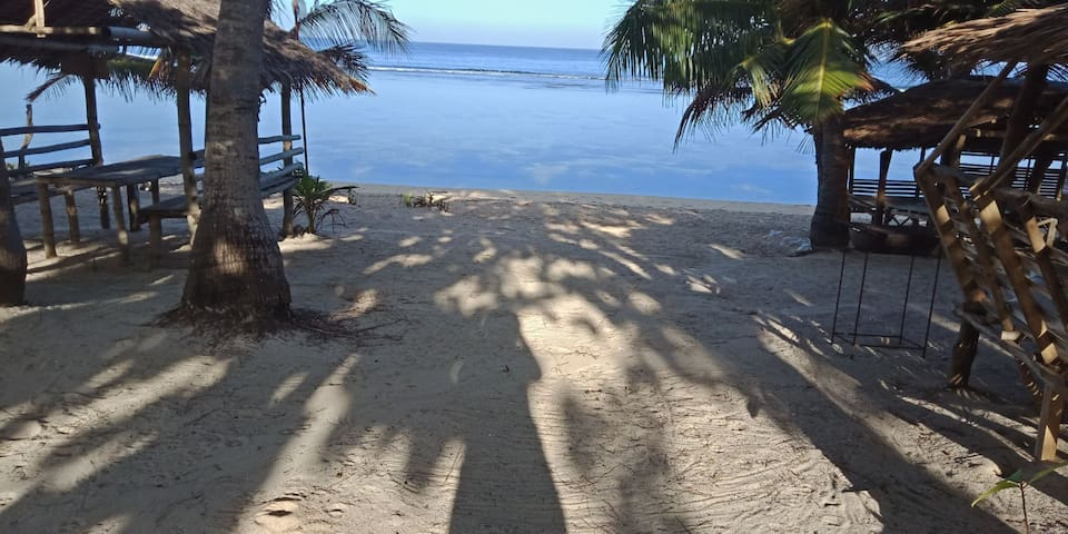 Liway beach huts-white sand