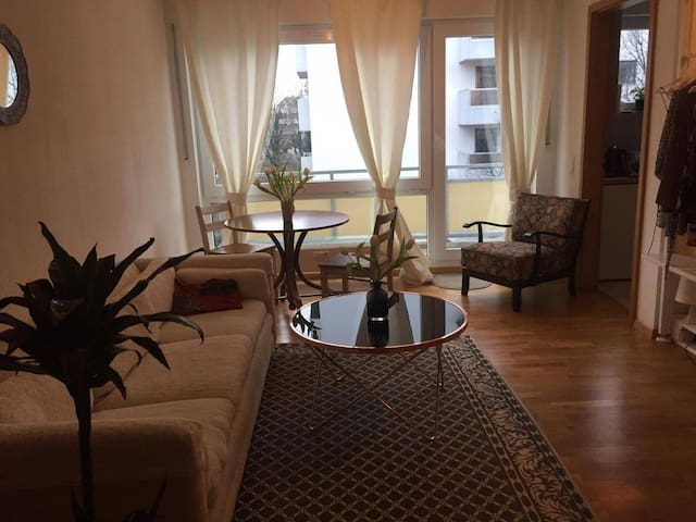 apartment with perfect subway connec., center 7min - Munique