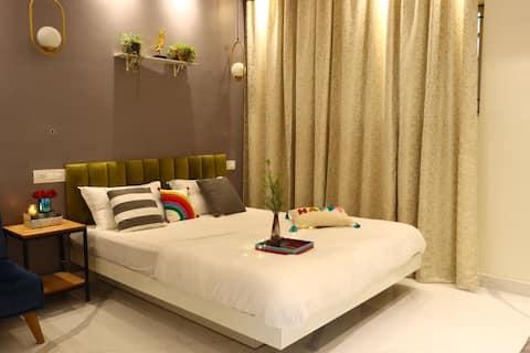 Modern studio room in Patliputra colony!