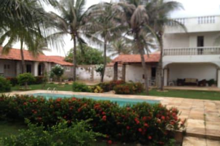 Casa com piscina frente mar, Marina Morro Branco - Beberibe - Βίλα