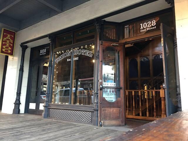 Old Sacramento Historic Union Lofts Suite #8
