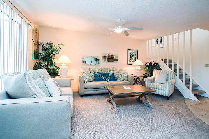 Blind Pass B208 - Lovely 2nd floor condo in a beautiful community very close to the beach