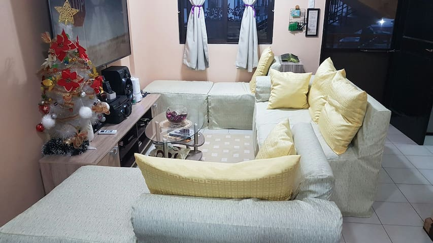 Immaculate Fully Furnished 2 Bedroom Condo
