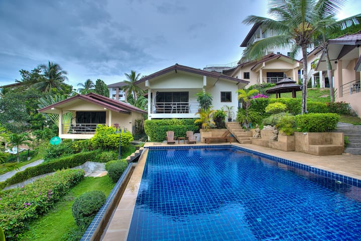 Pool Bungalow with amazing view