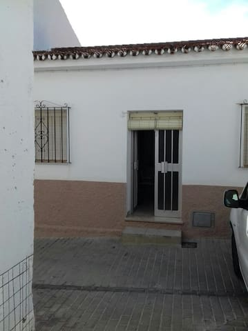 Habit priv 2 beds a 5' d Sotogrande San Enrique - San Enrique - Bed & Breakfast
