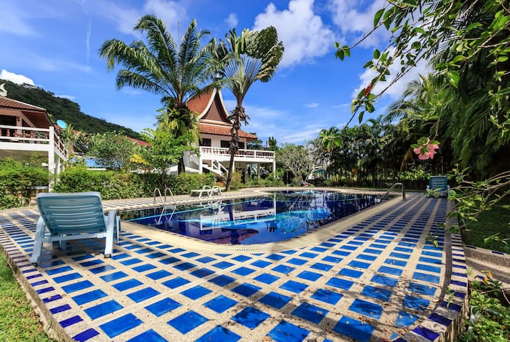 Spacious 4 BR Villa in Kamala with Mountain View