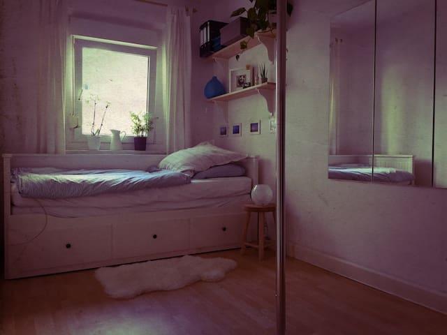Schönes Zimmer für 2 und Wohnung für euch allein