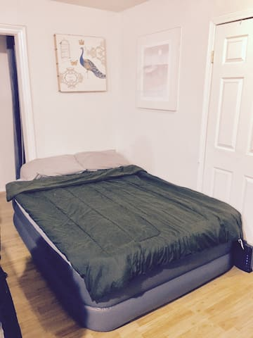 Queen Size Airbed - Gardena