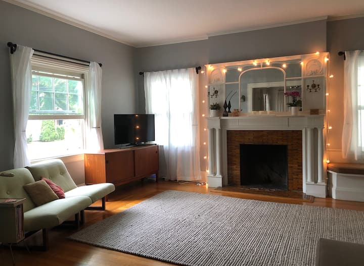 Artist Home in Historic Elmwood