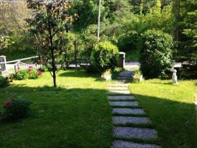 Accogliente trilocale e bella vista - Castelluccio - Departamento